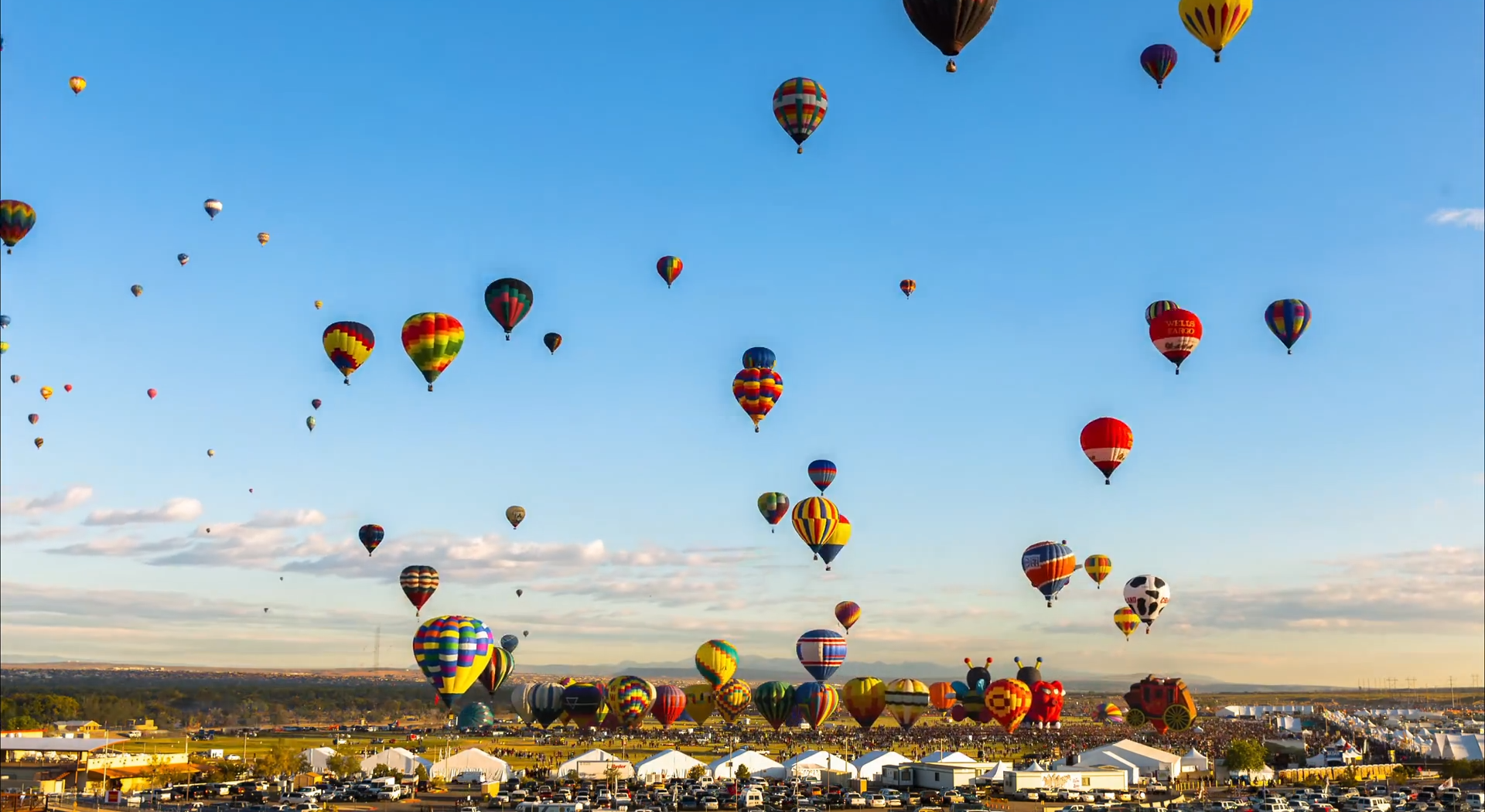 Timelapse – 700 Hot Air Balloons